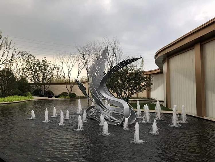 不锈钢异型水景雕塑