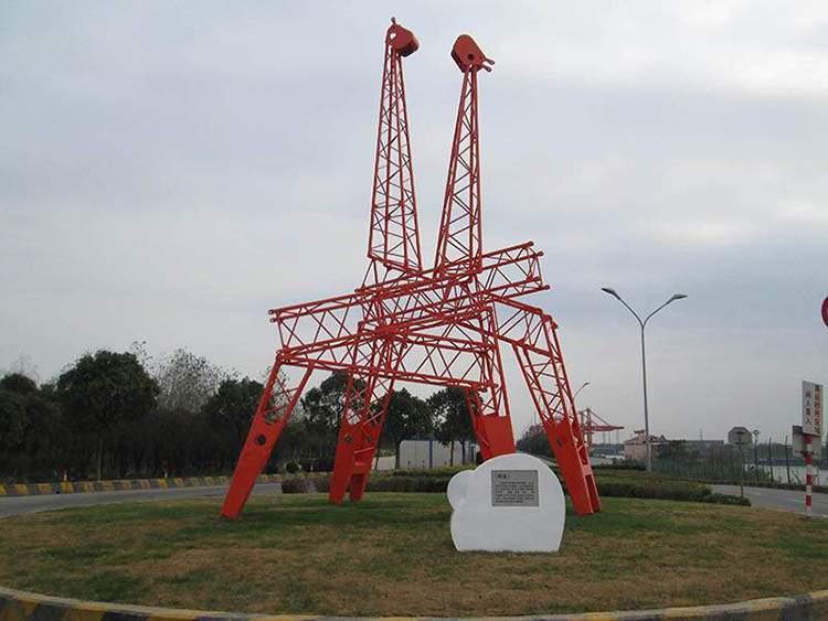 不锈钢结构框架抽象长颈鹿雕塑