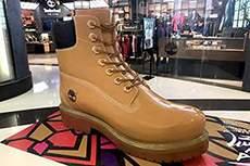 济南泺口皮鞋城定制玻璃钢仿真大皮鞋