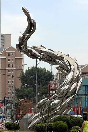 如鱼得水不锈钢小区雕塑