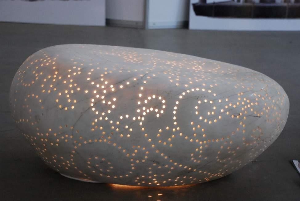 镂空发光石头玻璃钢雕塑