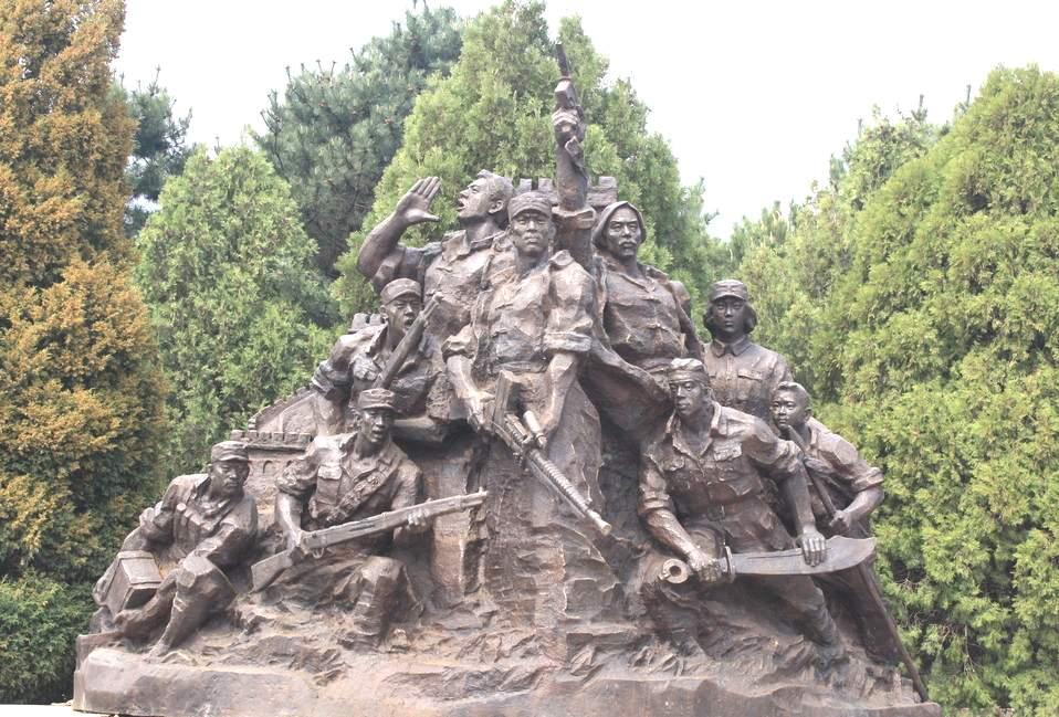 红军长征玻璃钢雕塑造型