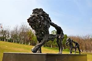 抽象雄狮雕塑