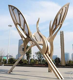 百灵鸟城市雕塑