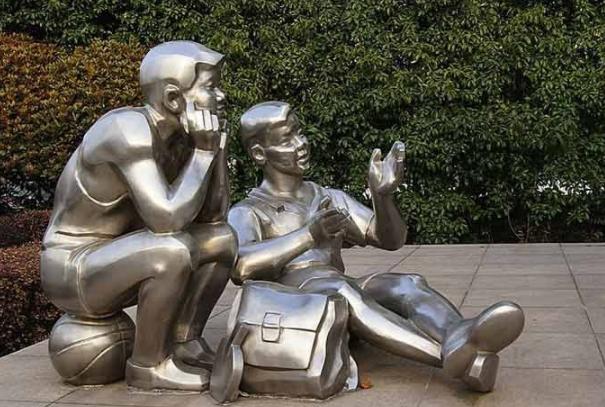 不锈钢雕塑保养的知识介绍
