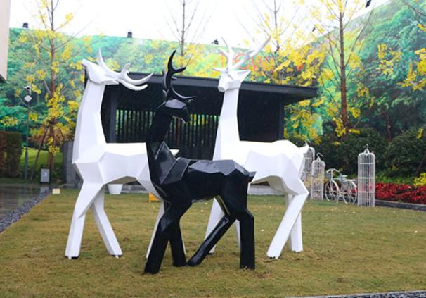 玻璃钢雕塑可运用在不同空间