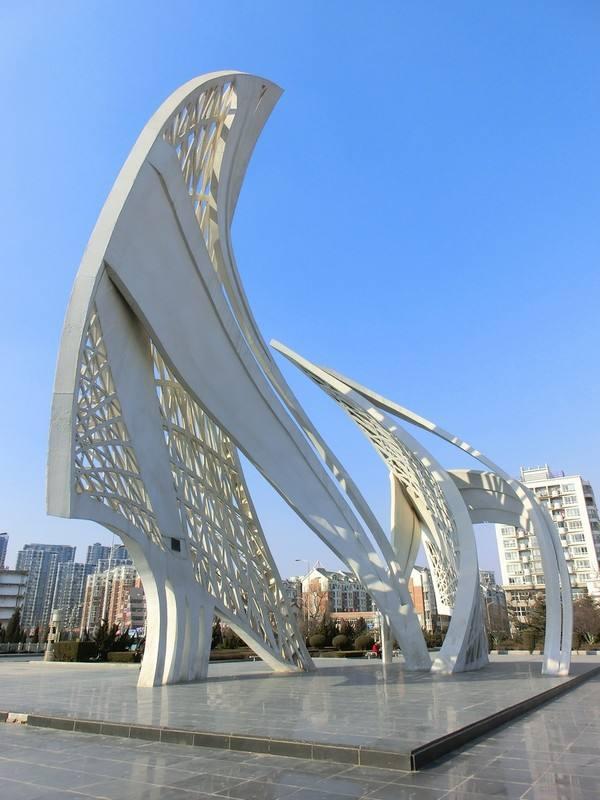 抽象风帆广场雕塑