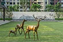 玻璃钢鹿仿铜铸铜鹿雕塑售楼处动物摆件
