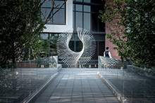 不锈钢雕塑不锈钢异形雕塑不锈钢飞羽雕塑抽象翅膀雕塑