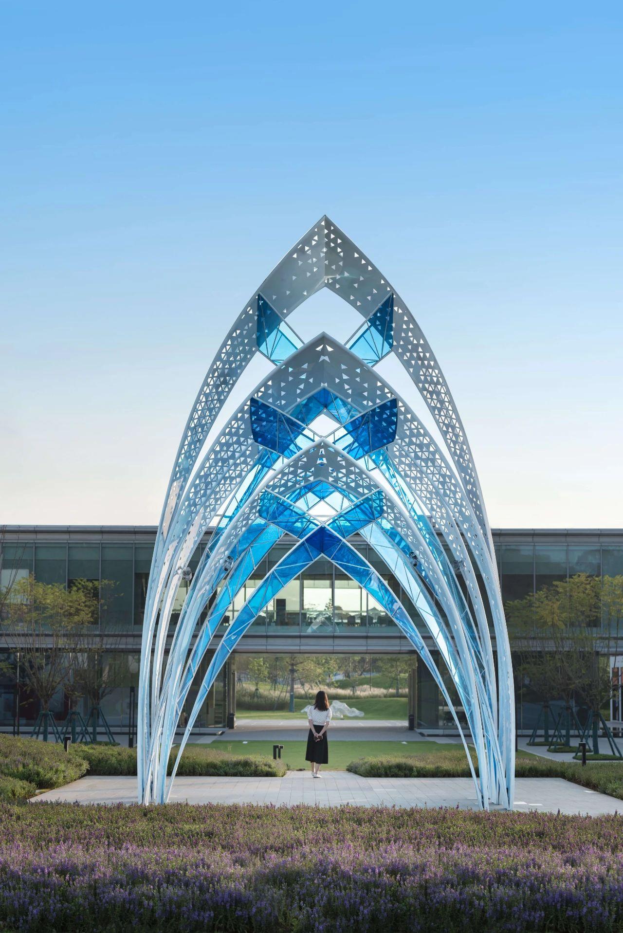 发光不锈钢金属廊架雕塑造型