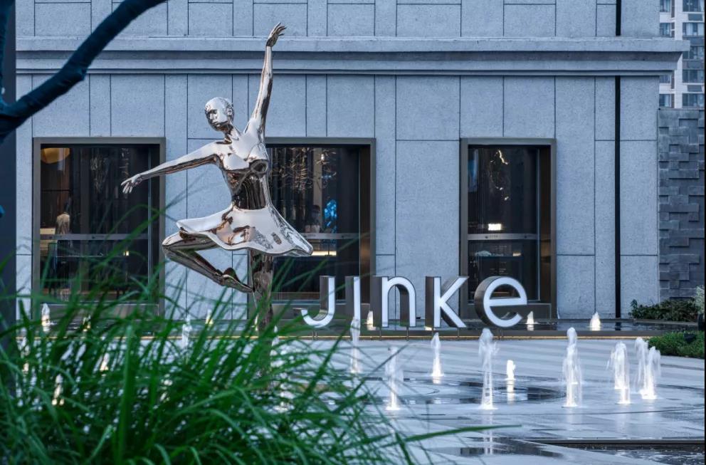 不锈钢舞蹈雕塑